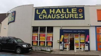 9f819c1c8b24b6 La Halle aux chaussures va fermer ses portes d'ici à la fin du mois d'août.