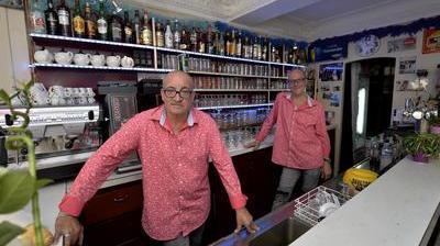 rencontre direct gay bars à Saint-Benoît